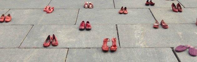 Violenza su donne, dal Messico all'Italia le 'Scarpette rosse' invadono le città