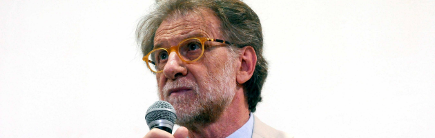 """L'ira di Dionigi su Bologna: """"Affitti in nero e carovita sono un cancro"""""""