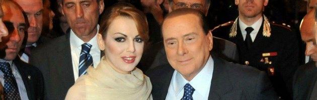 """Bari: Fitto e la cena per Berlusconi, """"scortato"""" da Francesca Pascale"""