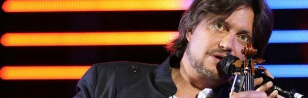 Cristiano De André, rimandato il concerto di Bologna per 'impegni promozionali'