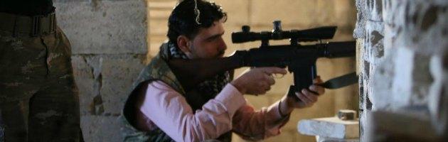 """Siria, i giornalisti """"fermati"""" da islamisti per il controllo del materiale girato"""
