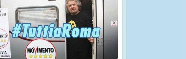 """Grillo: """"A Roma contro l'inciucio"""". Poi rimanda l'incontro con i militanti"""