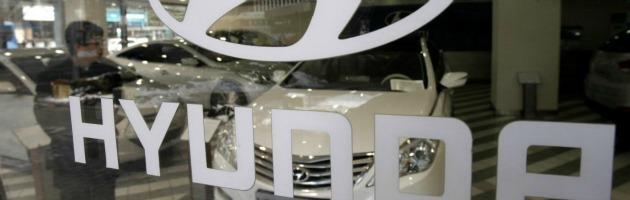Hyundai, tenta il suicidio con auto ecologica: è polemica sullo spot