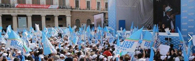 """Bari, Berlusconi: """"Governo forte oppure elezioni subito. Io candidato premier"""""""