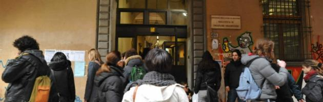 Università, lavoro stabile solo per uomini: penalizzate donne laureate con figli