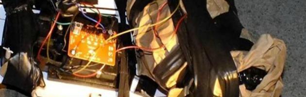 Bomba davanti a casa e minacce di morte a un imprenditore: tre arresti sull'Appennino