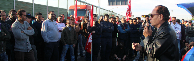 Sciopero facchini, in 350 bloccano i tir all'Interporto di Bologna (video e foto)