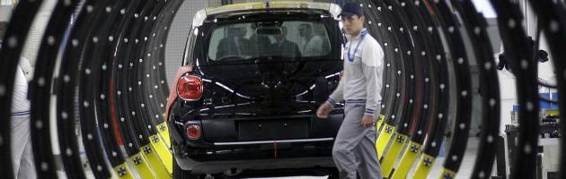 Fiat: Serbia, operaio frustrato per la paga da 306 euro danneggia 31 500L