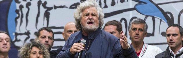 """Grillo: """"Non ce l'ho con i giornalisti ma non dimentico… gli faremo un c… così"""""""