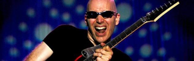 Joe Satriani, il tour italiano di Unstoppable Momentum parte dal Velvet