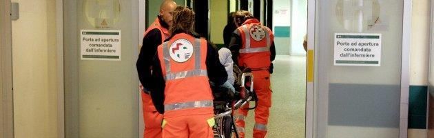 Picconatore Milano, dimesso un ferito. Lega contestata al Niguarda