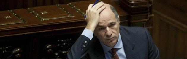 Energia, l'ex ministro dello Sviluppo Passera ci lascia un conto da 500 milioni