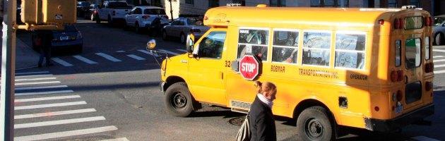 """Tagli alla scuola, biodiesel """"autoprodotto"""" per continuare il servizio autobus"""