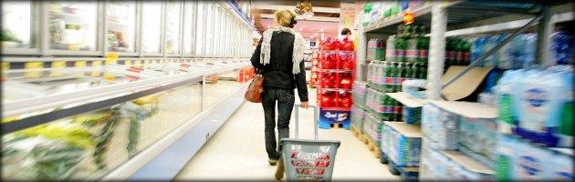 """Istat: """"Vendite al dettaglio mai così basse in 12 anni. Giù la spesa negli ipermercati"""""""