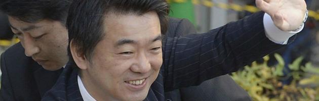 """Giappone, l'ascesa del """"fascista"""" che ama i bordelli e studia da premier"""