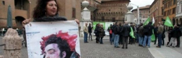 """Aldrovandi, il Coisp presenta 72 denunce. Legale madre Federico: """"E' stalking"""""""