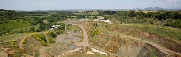 Rifiuti di Roma, caos Falcognana: business in mano a Ecofer, mistero sulla proprietà