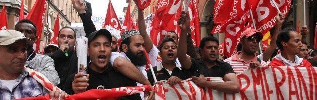 Bologna, 15 facchini reintegrati dopo gli scioperi