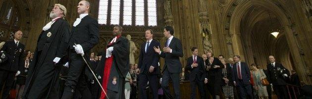 """Regno Unito, la """"lobby"""" dei Lord incastrata dalla stampa: """"Corrotti"""""""