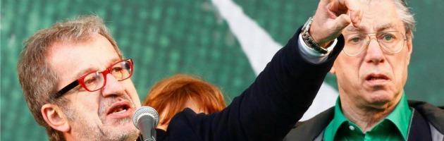 """Lega Nord, i silenzi di Maroni alla proposta dei suoi: """"Bossi fuori dal partito"""""""