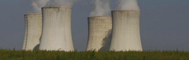 """Corea del Sud, reattori fermi: cittadini """"costretti"""" al risparmio energetico"""