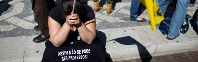 Fuga degli investitori dal Portogallo che si prepara all'appuntamento con la troika