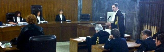 Processo Ruby, su Berlusconi la parola ai giudici. Ecco le tesi di accusa e difesa