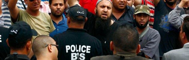 """Tunisia, sciopero generale per la morte di Brahmi. """"Gli islamisti responsabili"""""""