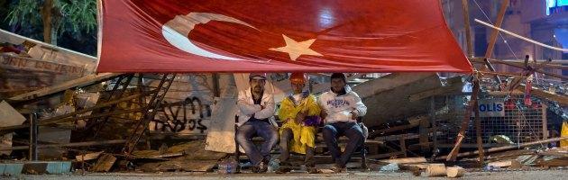 Turchia, scontri a Gezi Park. Sostanze urticanti negli idranti della polizia