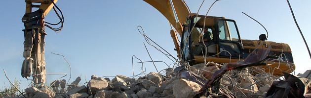 Antimafia: in commissione Sarro, parlamentare Pdl fan del condono edilizio