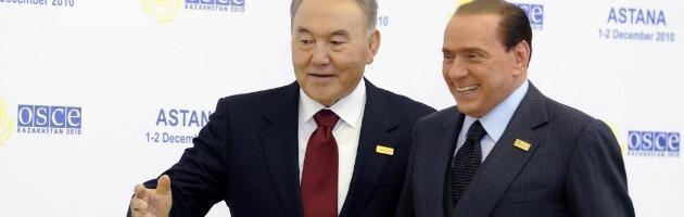"""Caso Kazakistan, ecco chi è il dittatore Nazarbayev """"caro amico"""" di Berlusconi"""