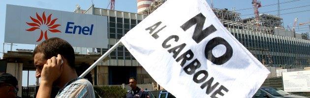 """Enel, parlamentari 5 Stelle: """"Chiarisca sulle manifestazioni contro Greenpeace"""""""