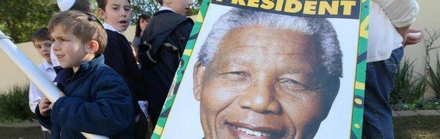 """Nelson Mandela in stato vegetativo, parenti pensano di staccare spina"""