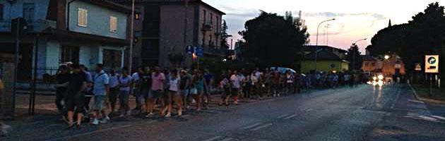 Ferrara, il paese marcia contro il campo rom (che non c'è e non ci sarà)