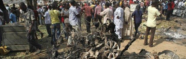 Nigeria, attacco contro una scuola: 42 morti. Studenti bruciati vivi