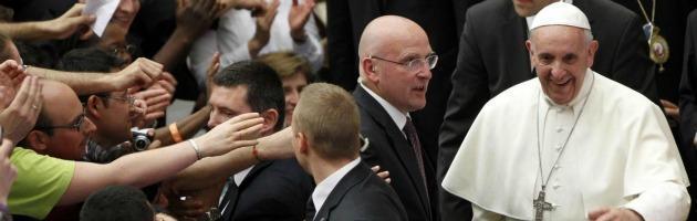 Papa Francesco pensa al successore di Bertone alla segreteria di Stato