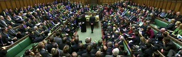 Regno Unito: arrivano nuovi tagli, ma lo stipendio dei parlamentari aumenterà