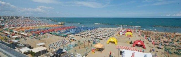 """Rimini, la denuncia del sindacato: """"Solo 2 euro per pulire una camera"""""""
