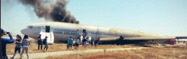 Boeing 777 si schianta a San Francisco: due morti e 182 feriti