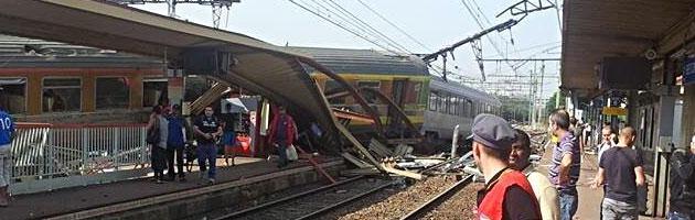 Francia, deraglia treno vicino a Parigi. Sei morti, 30 feriti per problema scambio