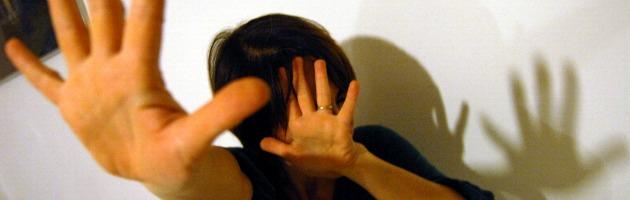Violenza sulle donne, libro Usa aiuta a sconfiggere il senso di colpa (e denunciare)