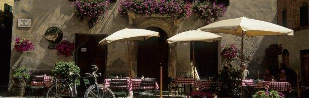Vacanze low cost, ecco come farle con 10 euro al giorno: da Napoli al Messico