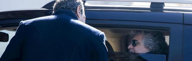"""Napolitano, Grillo: """"Si dimetta e andiamo a nuove elezioni: così finirà l'agonia"""""""