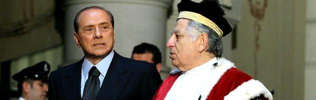 Condanna Berlusconi, il Cavaliere e la favola delle toghe rosse