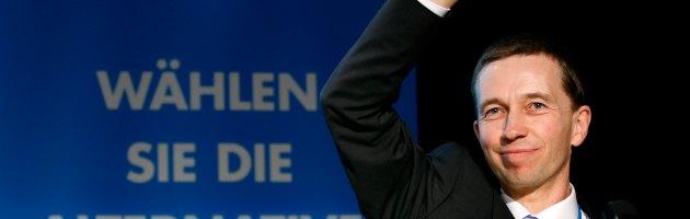 Elezioni in Germania: assalto al comizio, aggredito il leader degli euroscettici