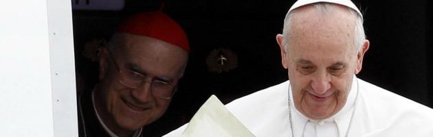 """Papa Francesco vuole cambiare """"premier"""". Bertone non molla e vuole nuovi incarichi"""