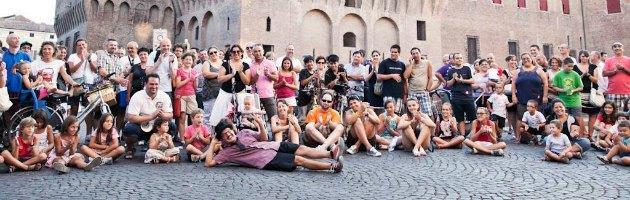 Ferrara, Buskers Festival: musica, danza e teatro con gli artisti di strada