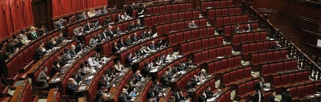 Finanziamento ai partiti, il ddl torna in commissione. No di M5S e Lega