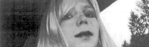 """Wikileaks, Manning: """"Chiamatemi Chelsea, sono donna"""". E chiede la grazia"""