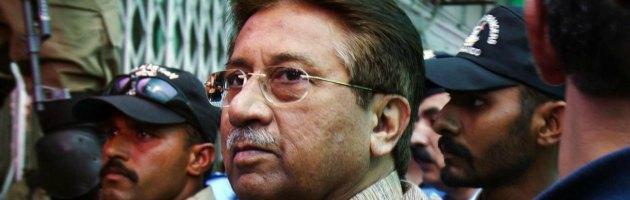 Pakistan, Musharraf accusato dell'omicidio di Benazir Bhutto